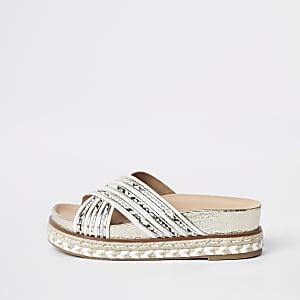 Sandales blanches à plateforme espadrille et brides croisées