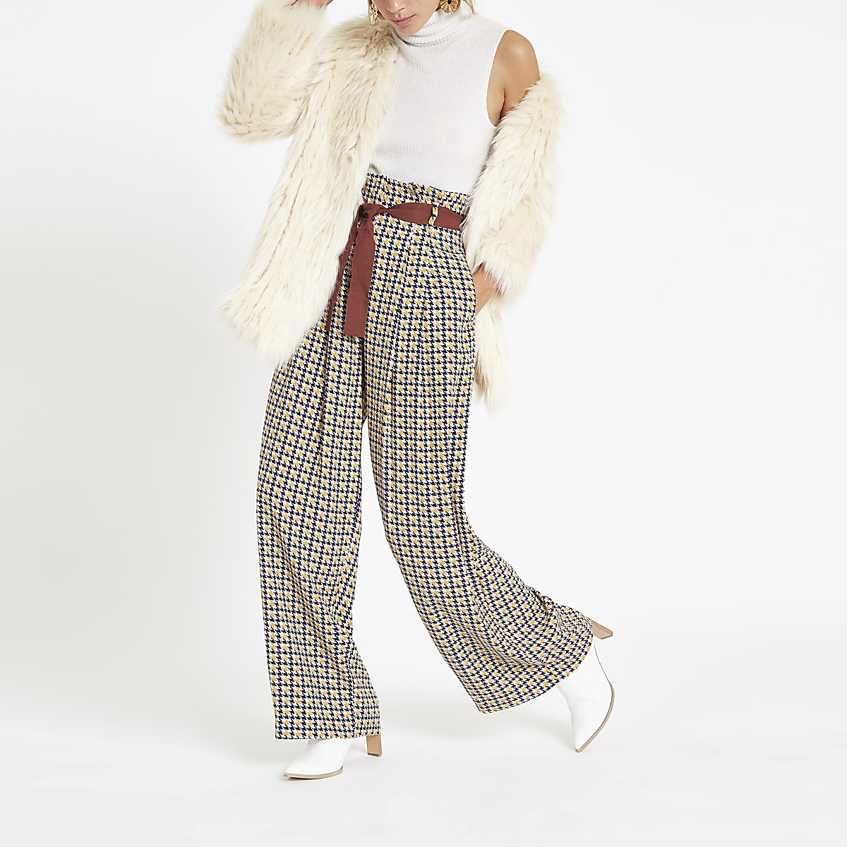 Brown printed wide leg belted trousers