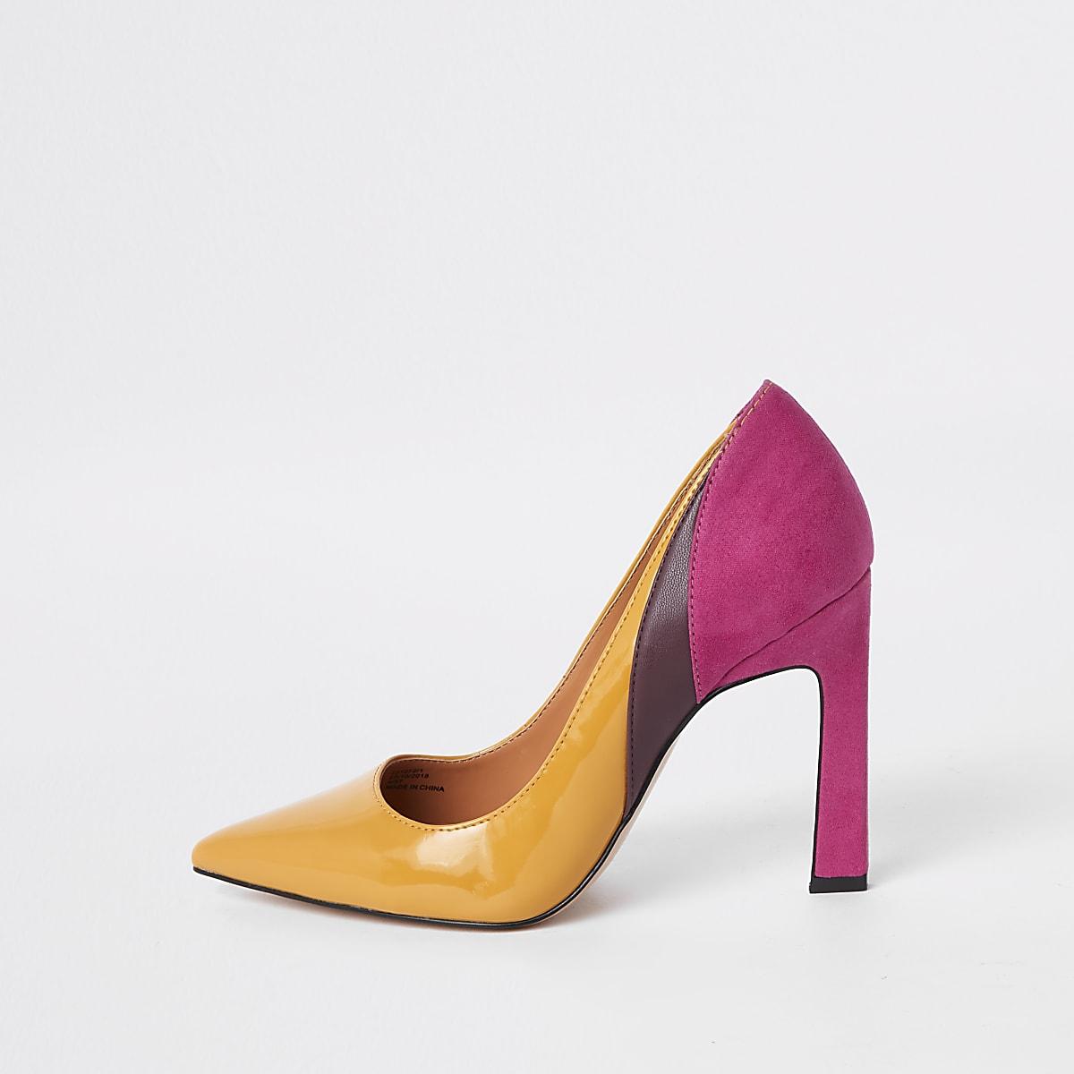 Yellow spliced heel pumps