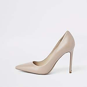 Light pink leather court shoes