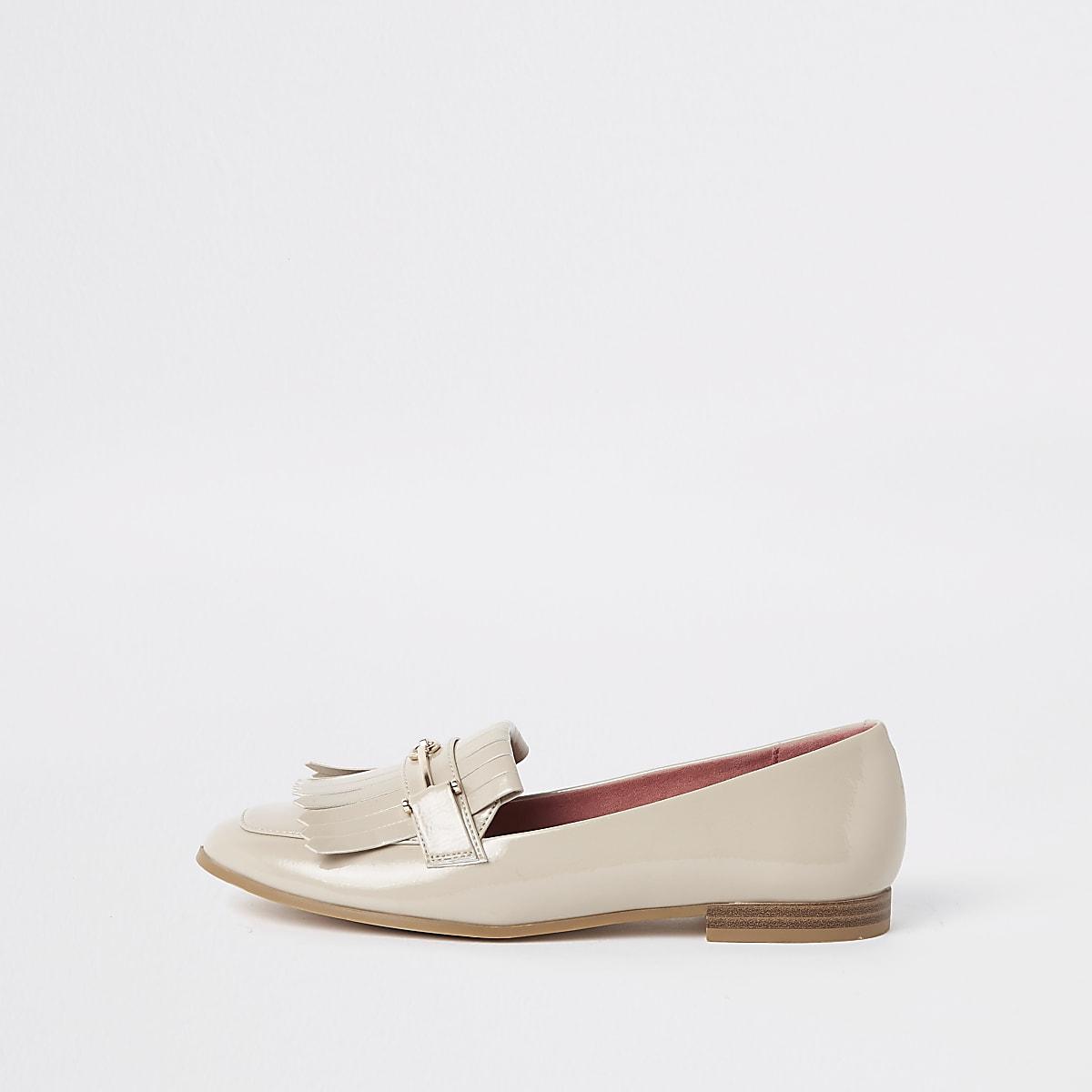 Beige fringe snaffle loafers
