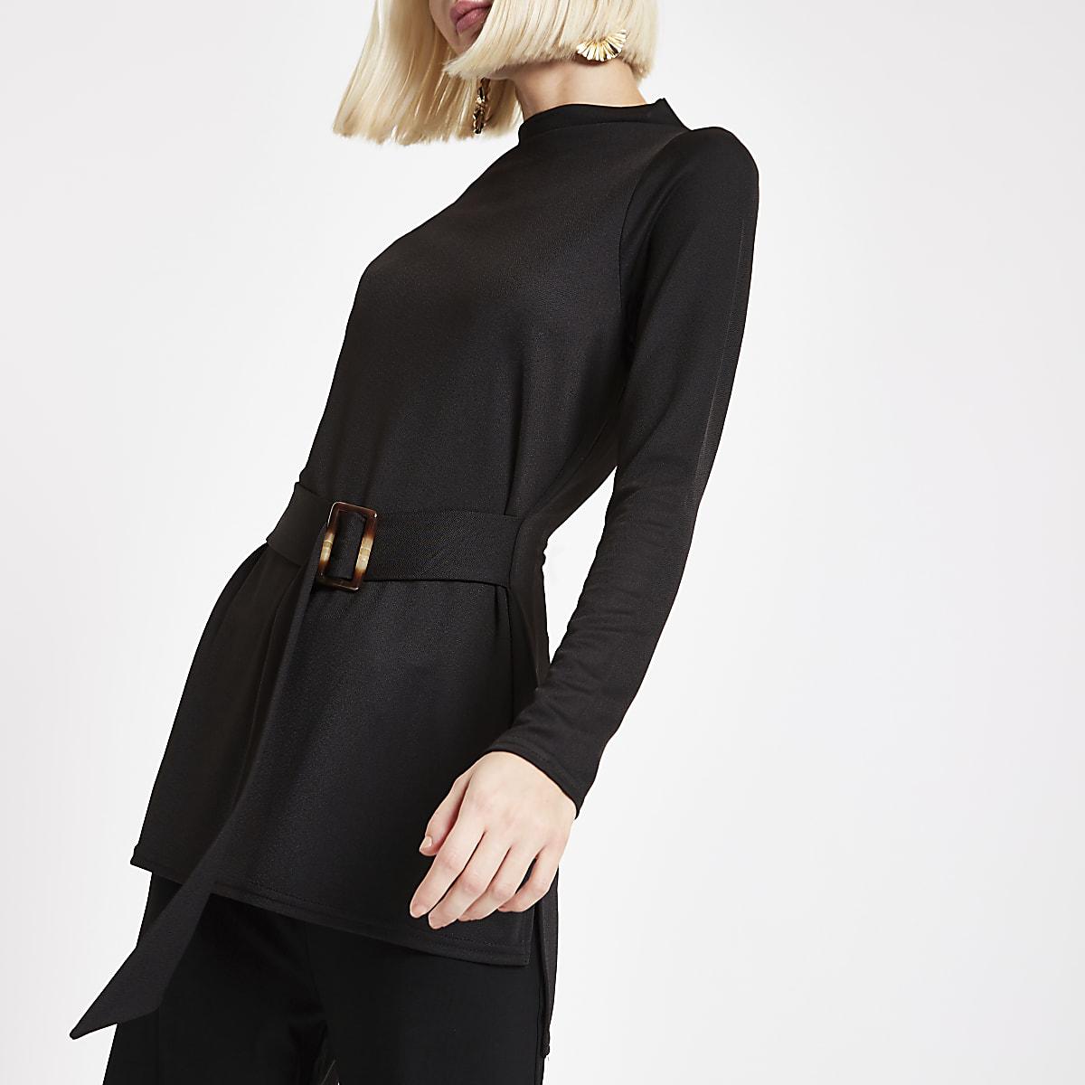 Schwarze, langärmlige Tunika mit Gürtel