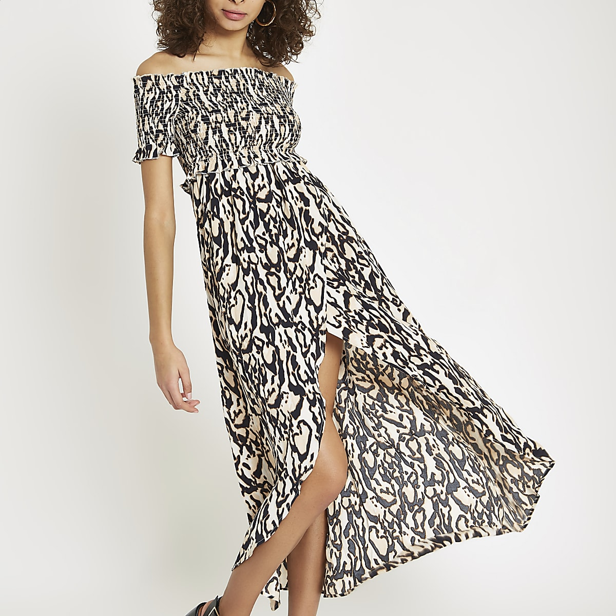 Robe Bardot longue imprimée noire à fronces