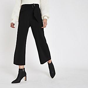 Jupe-culotte noire nouée à la taille avec boucle