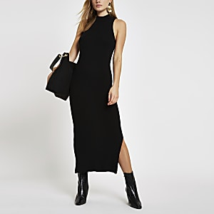 b8c313fc0fb86d Zwarte geribbelde maxi-jurk met racerhals