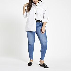 Plus – Weißes Oversized Hemd mit Knöpfen