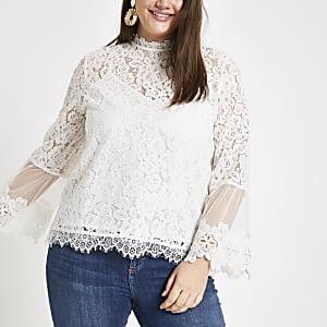 RI Plus - Witte kanten blouse met lange mouwen