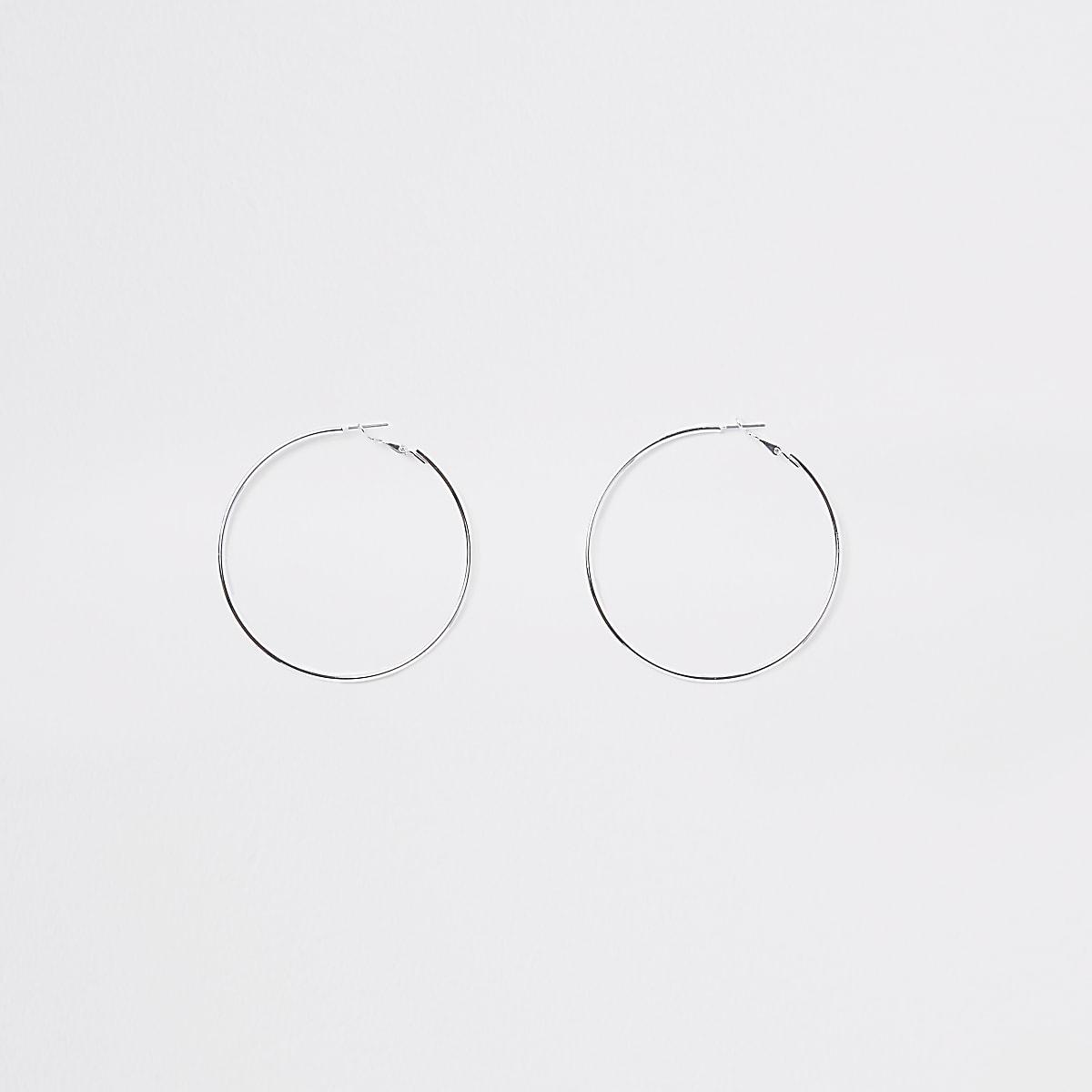 Zilverkleurige oorringen