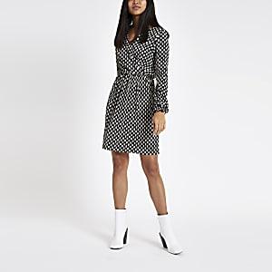 Petite black spot plisse tea dress