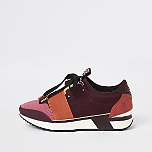 Red elasticated lace-up runner trainers
