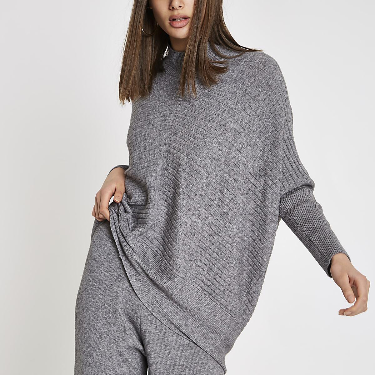 Pull en maille côtelée gris à col montant et manches longues