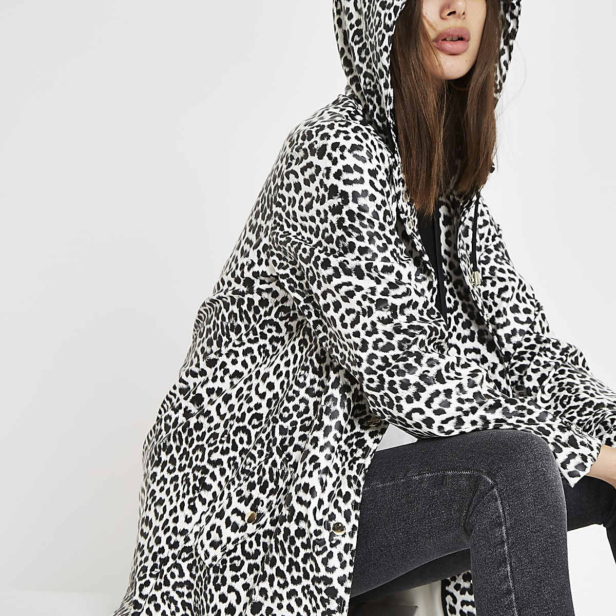 Imperméable blanc imprimé léopard à capuche