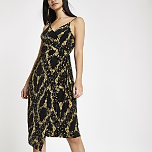 Black plisse chain print waisted midi dress