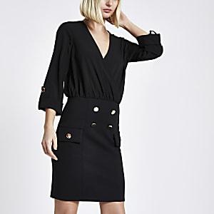 Mini-robe à boutons avec chemise noire