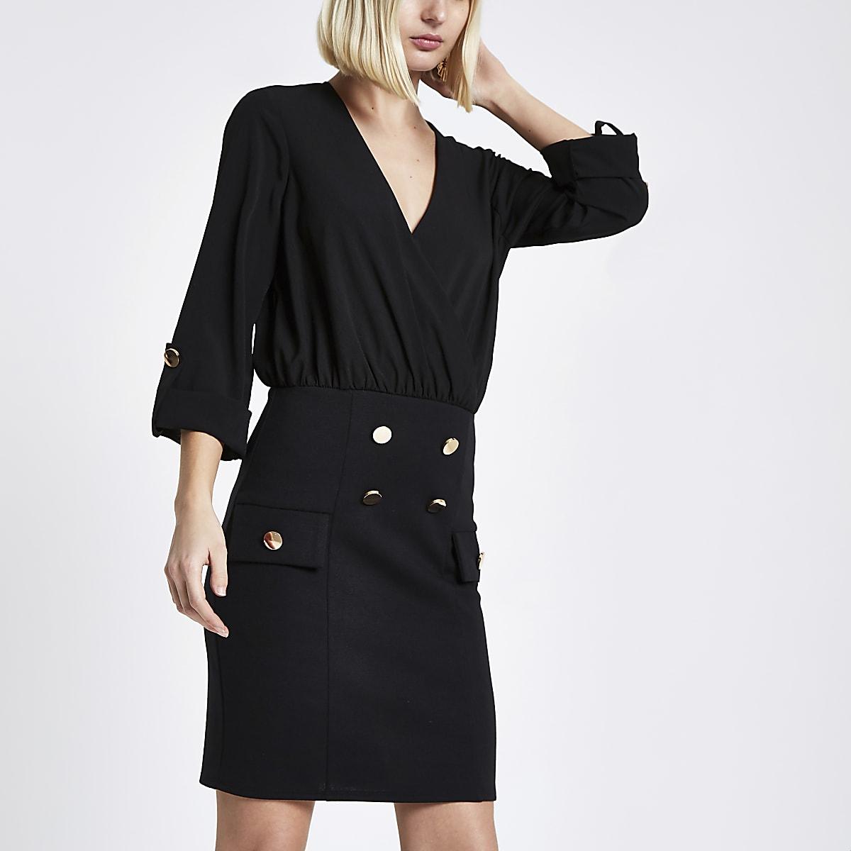 Zwart overhemd en mini-jurk met knopen