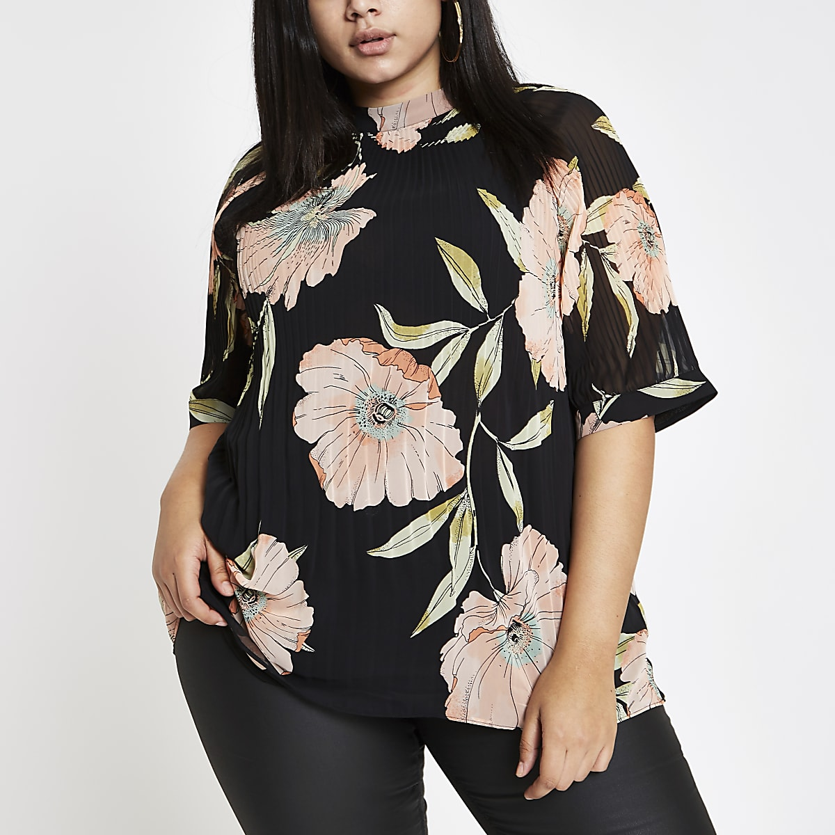 Plus black plisse floral top