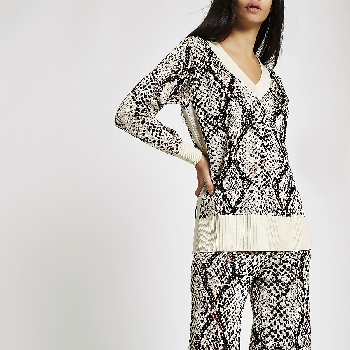 Cream snake print V neck jumper