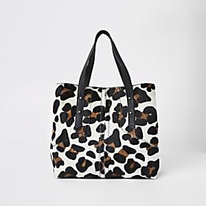 Beige leren ruime tas met luipaardprint