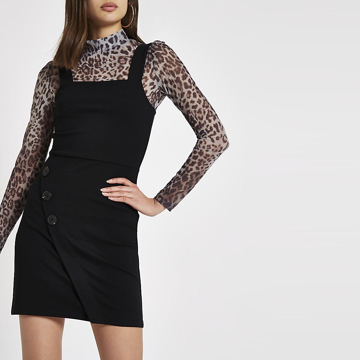 Schwarzes Träger-Minikleid mit seitlichen Knöpfen