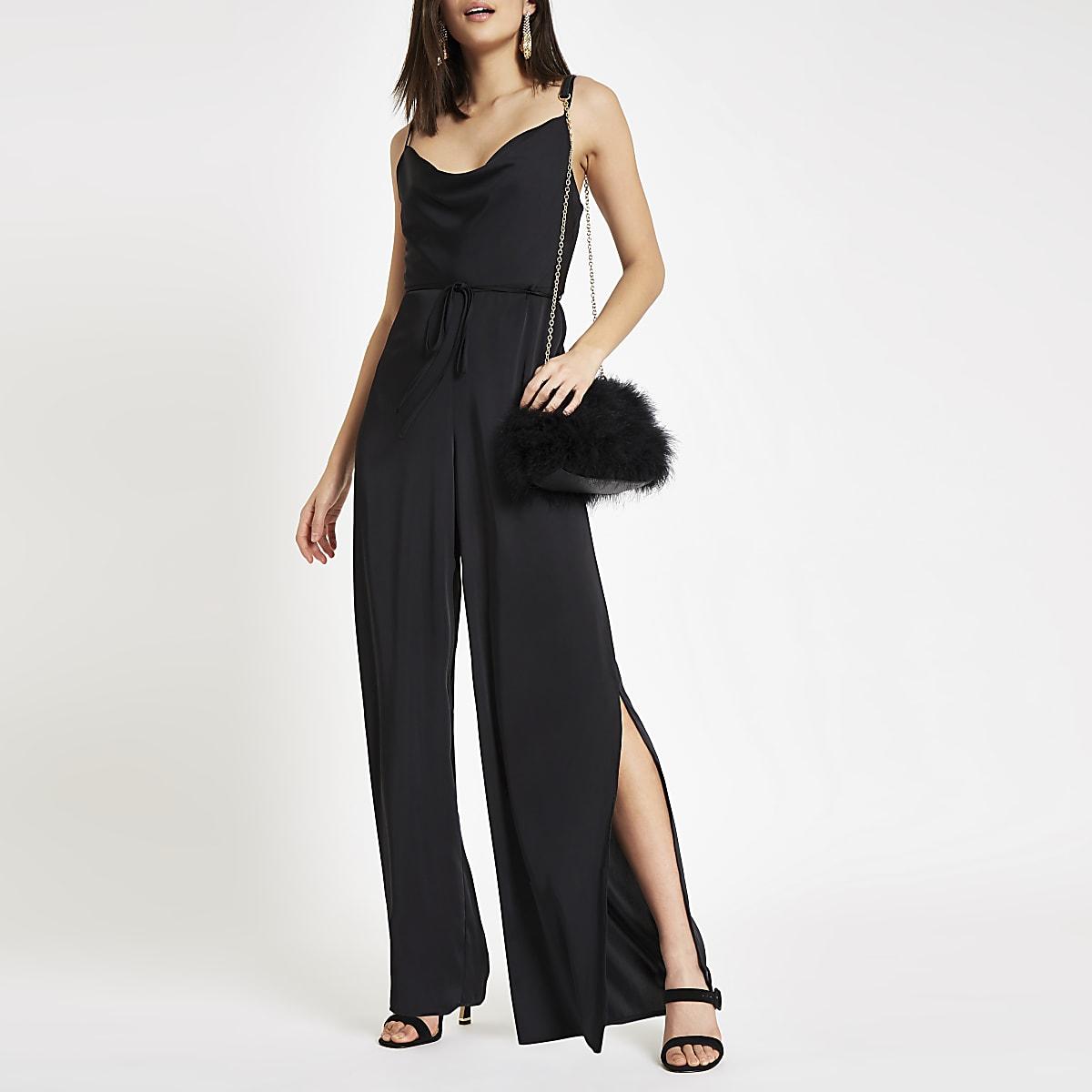 Zwarte jumpsuit met ruime col en camibandjes