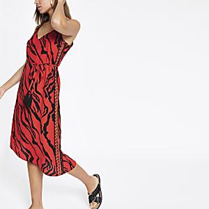 Robe de plage mi-longue imprimé zèbre rouge nouée à la taille