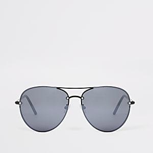 Black smoke lens aviator sunglasses
