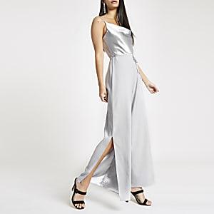 Zilverkleurige jumpsuit met losvallende col en camibandjes