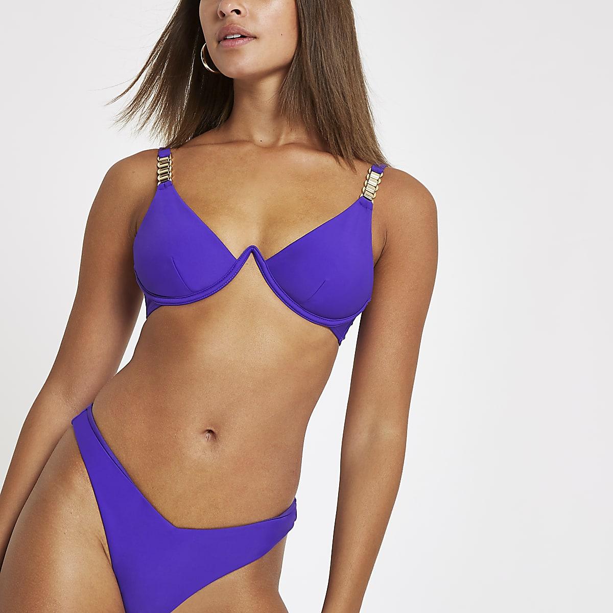 Paarse bikinitop met ketting en beugel