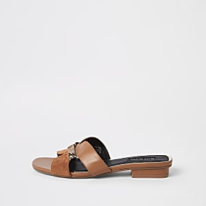 Braune Sandalen aus Lederimitat