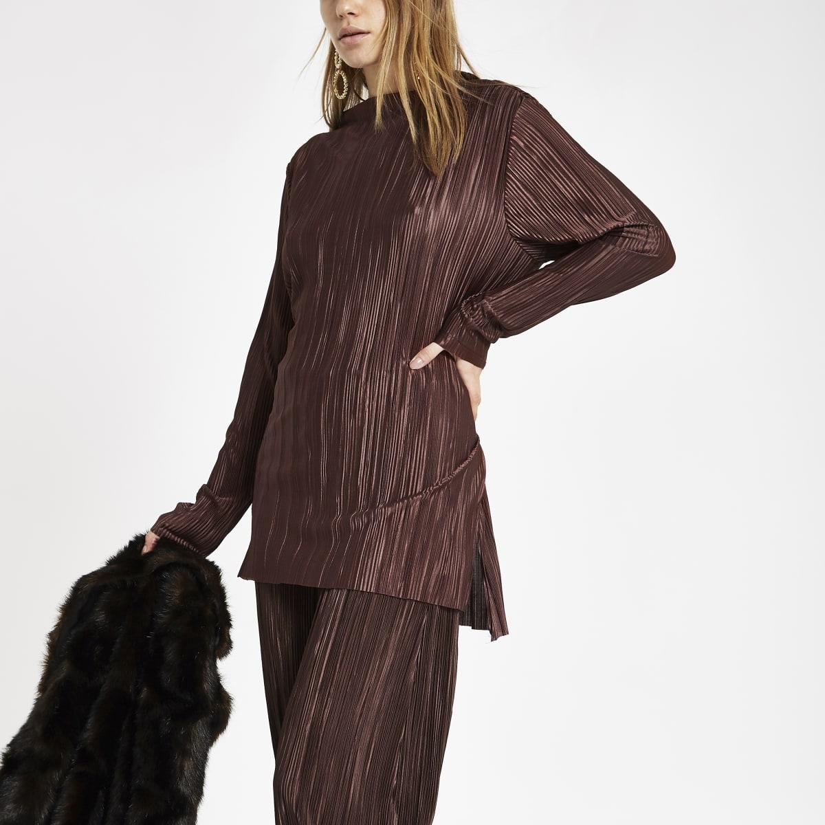 Top marron plissé à manches longues et taille nouée