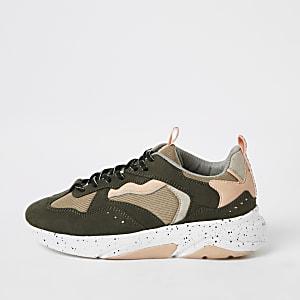 Kaki sneakers met kleurvlakken
