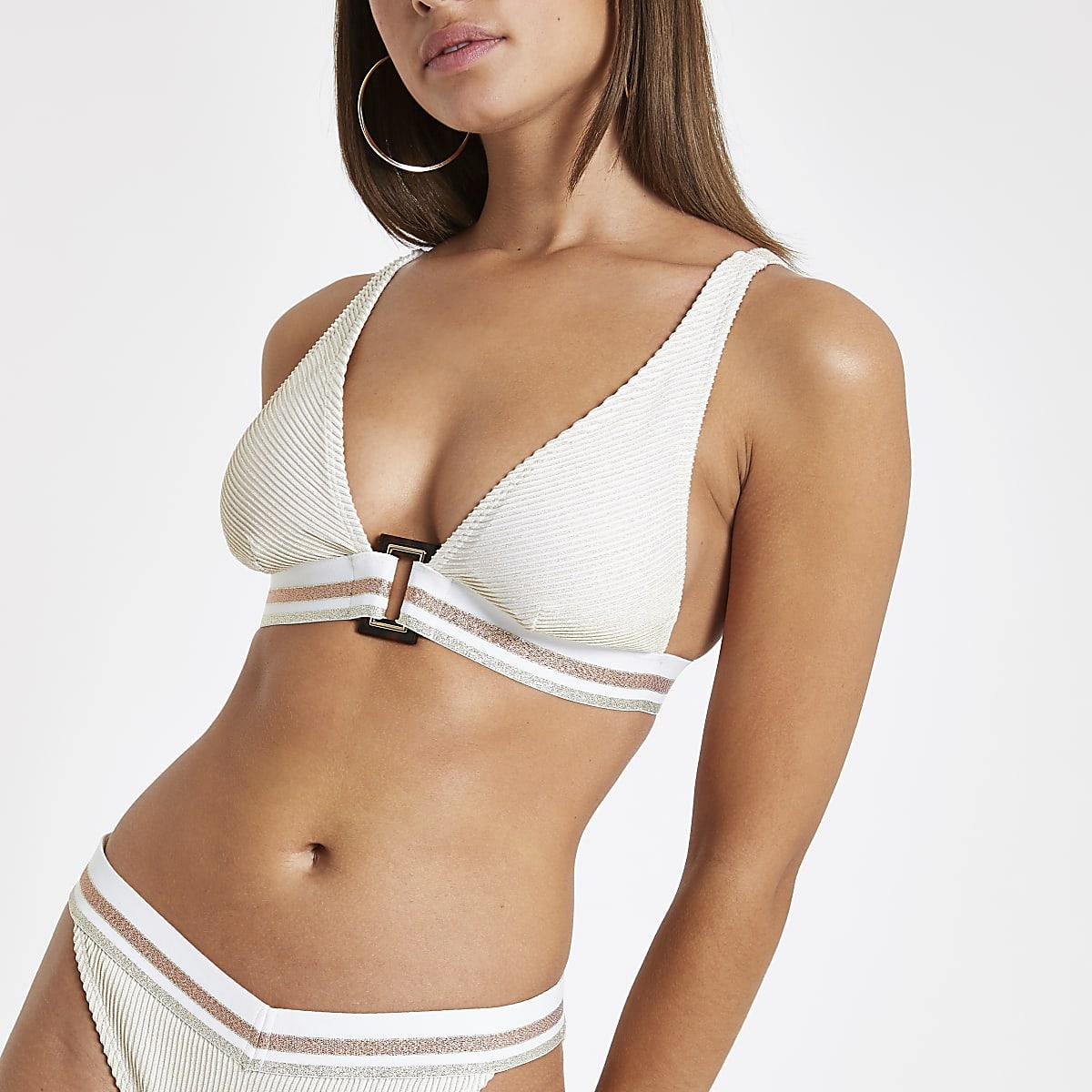 12ff257ae8 Haut de bikini triangle crème décolleté élastique Haut de bikini triangle  crème décolleté élastique ...