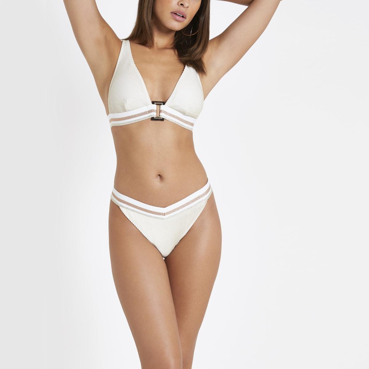 Crème elastisch hoog opgesneden bikinibroekje