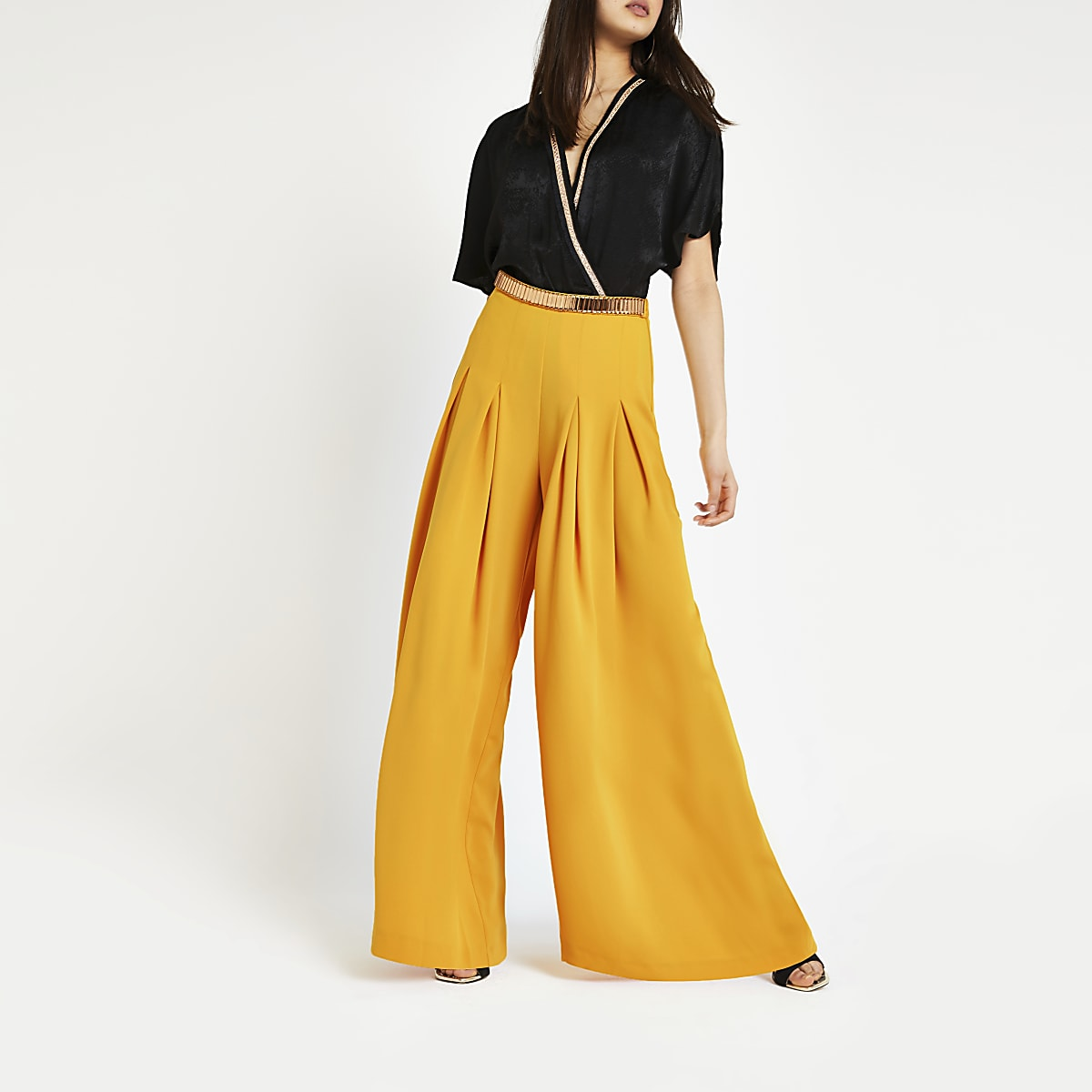Yellow wide leg pleated trousers