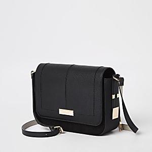 Zwarte crossbodytas met flap voor
