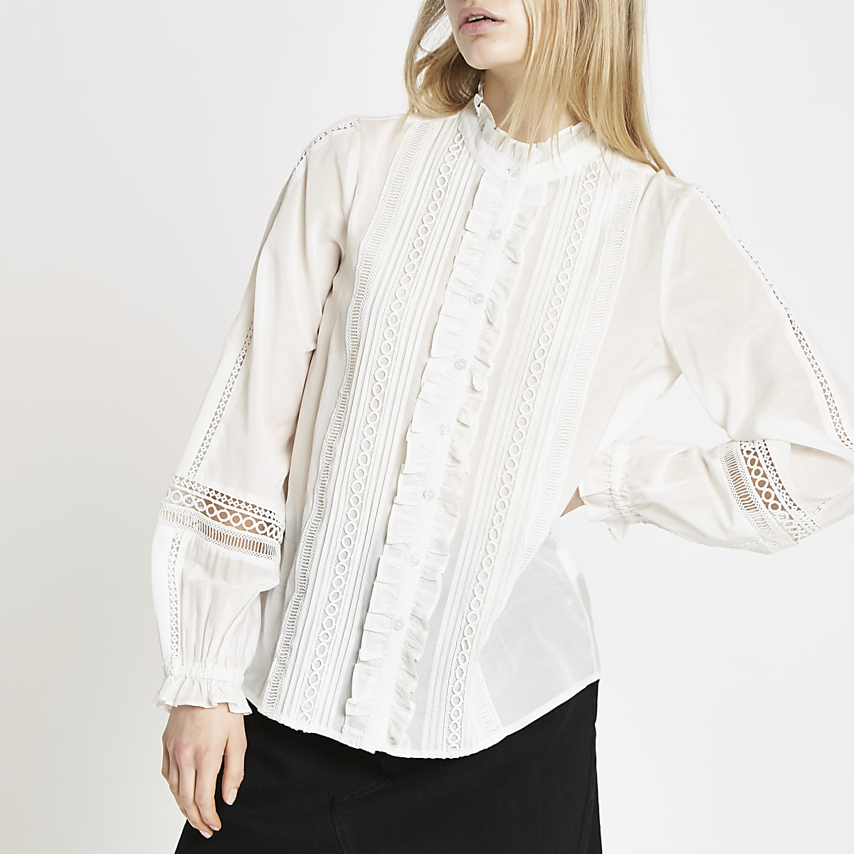 new release good out x amazon White long sleeve broderie blouse