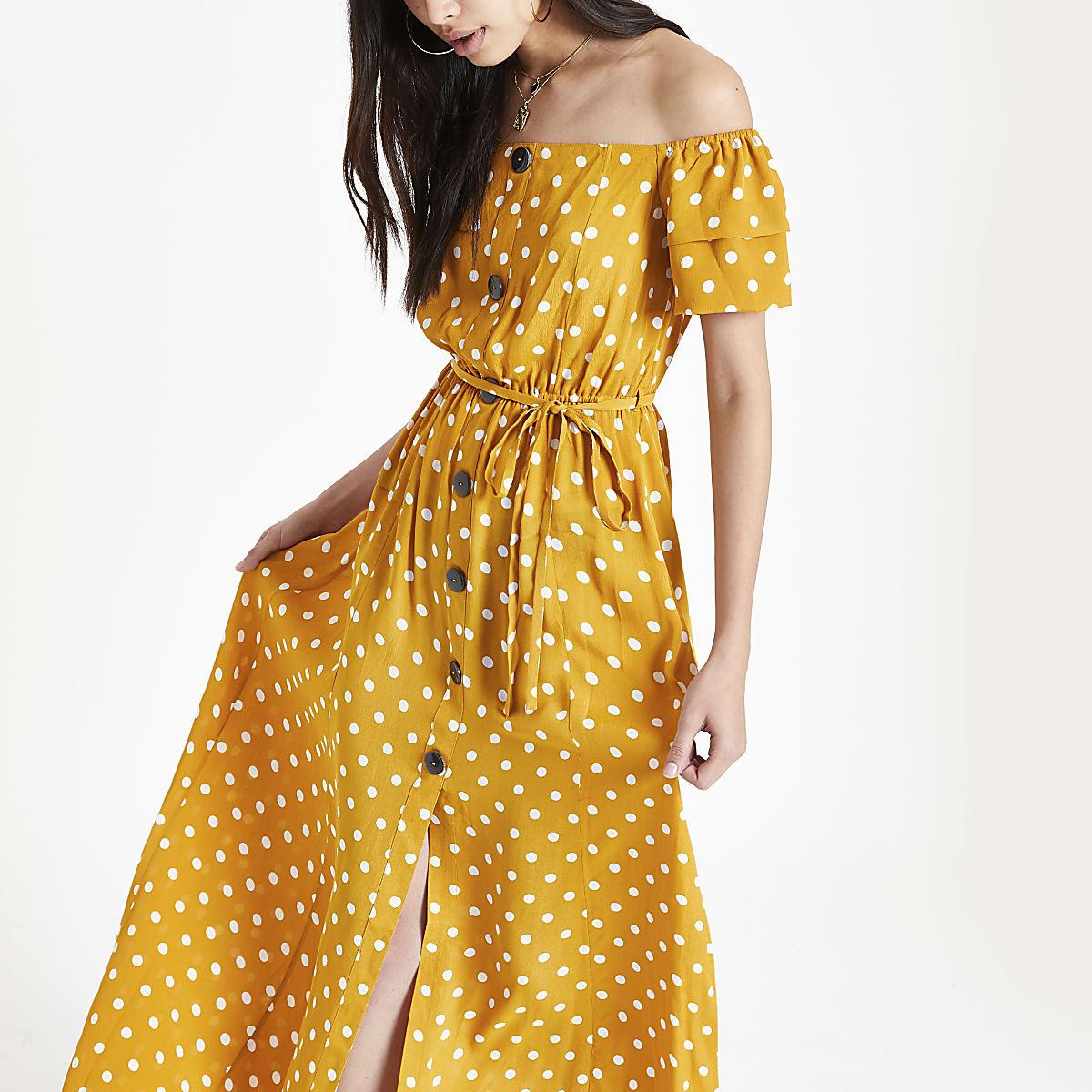 Robe longue Bardot à pois jaune boutonnée