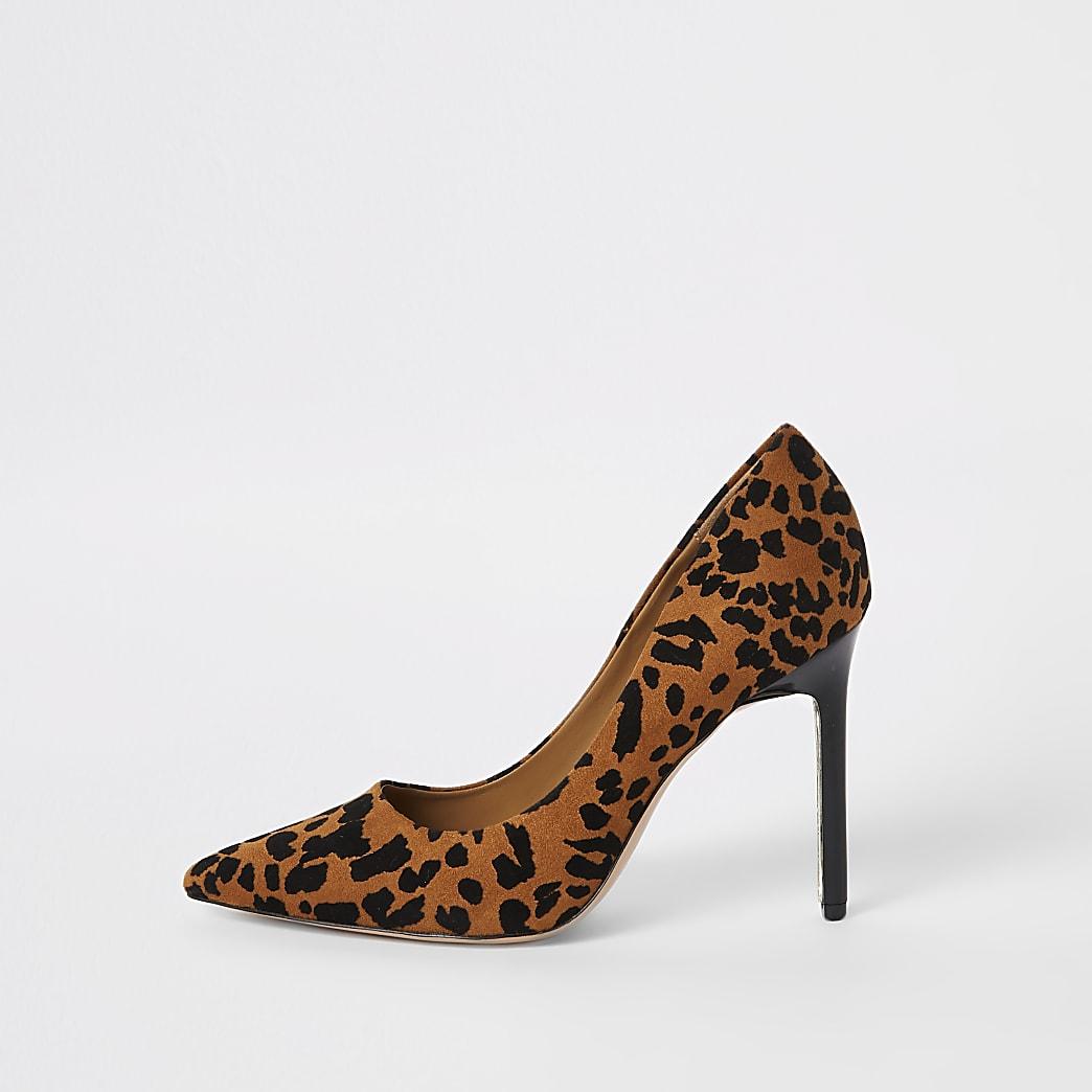 Bruine pumps met luipaardprint
