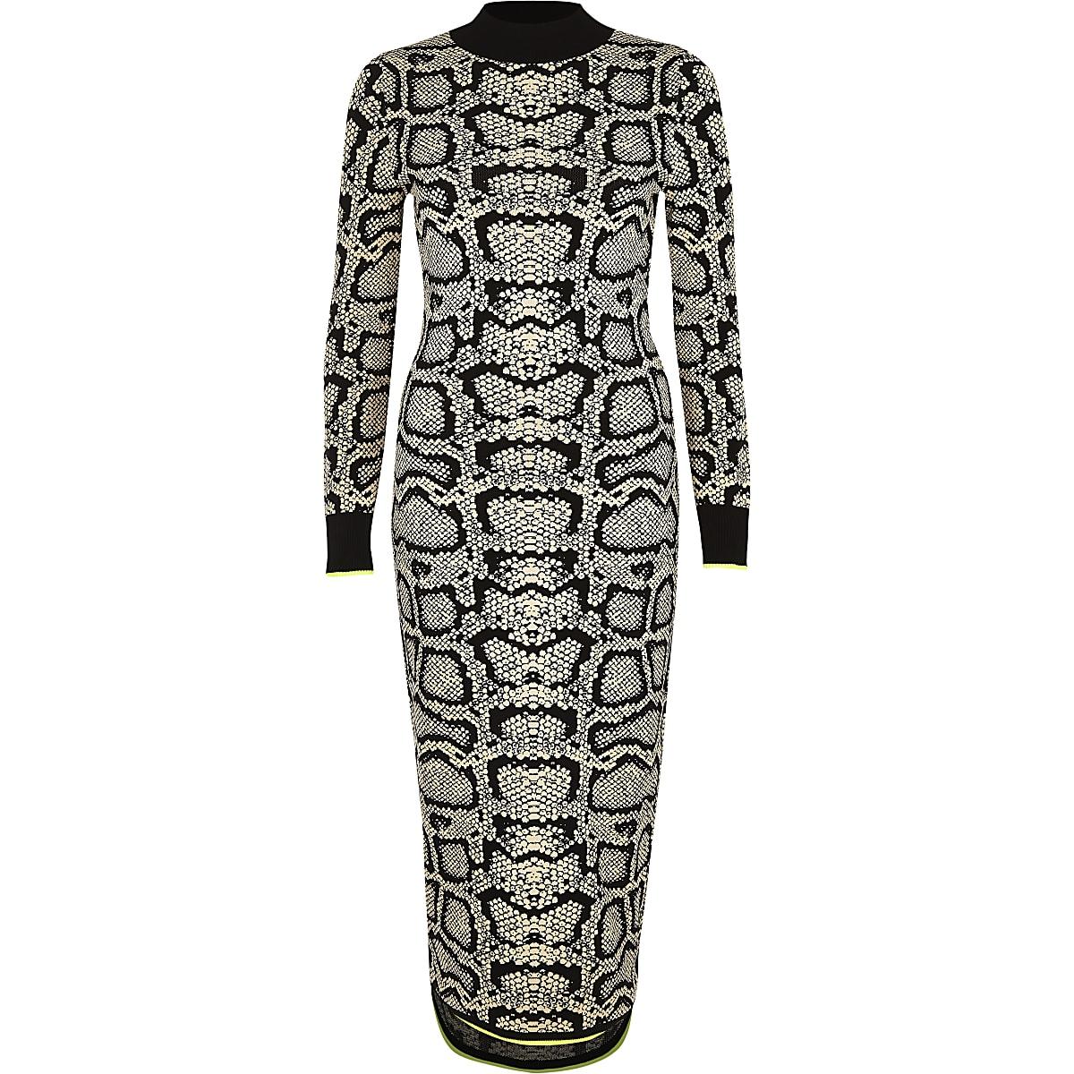 ce3ff5d98a7760 Bruine hoogsluitende strakke jurk met slangenleerprint ...