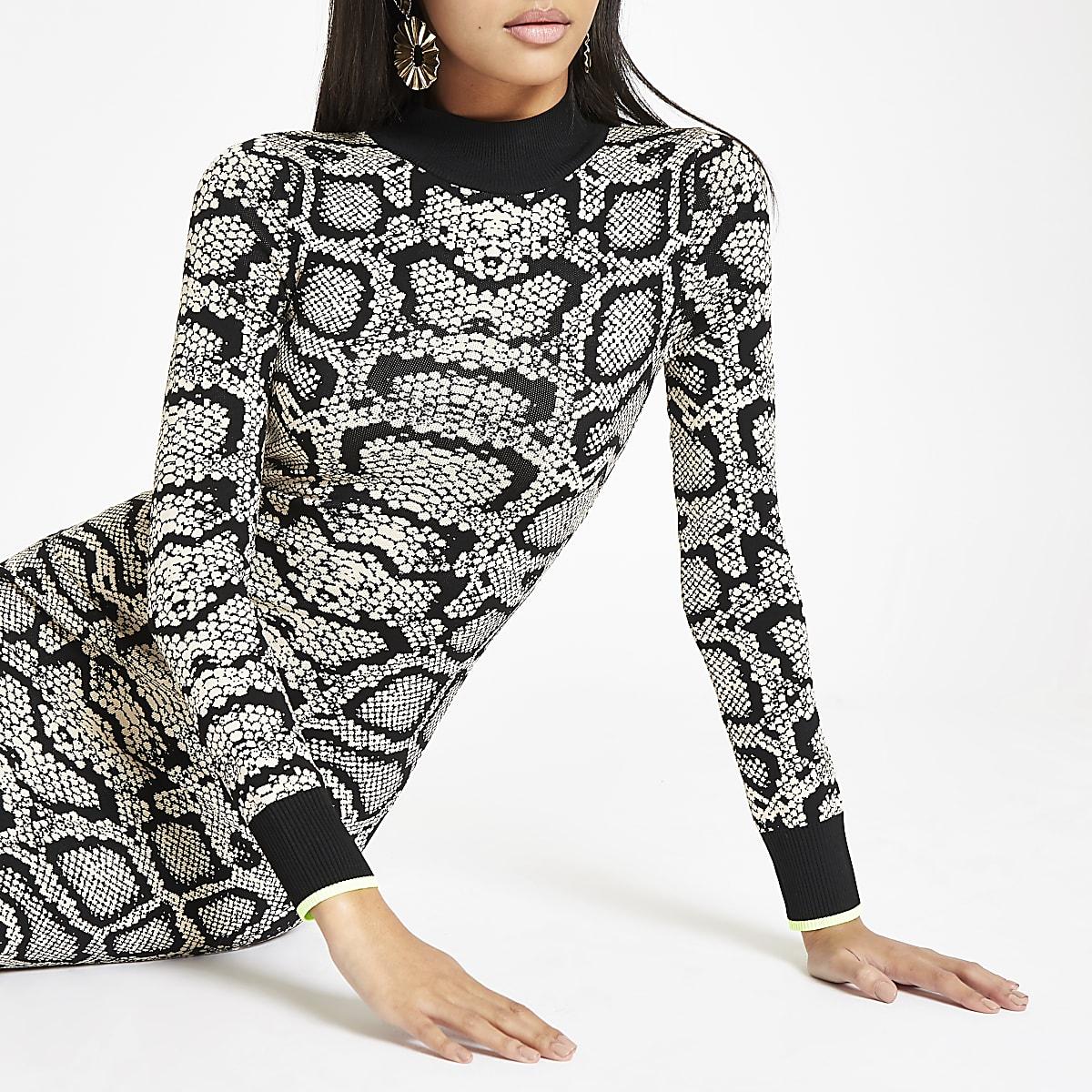 ffd338521d5f91 ... slangenleerprint Bruine hoogsluitende strakke jurk met slangenleerprint  ...