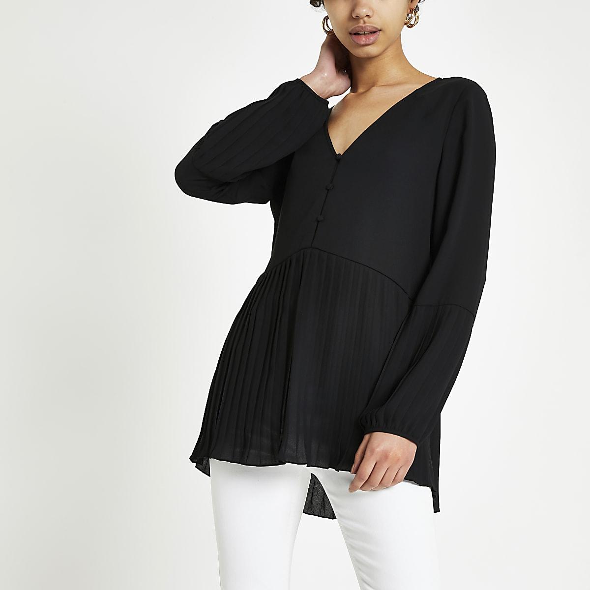 Black plisse blouse