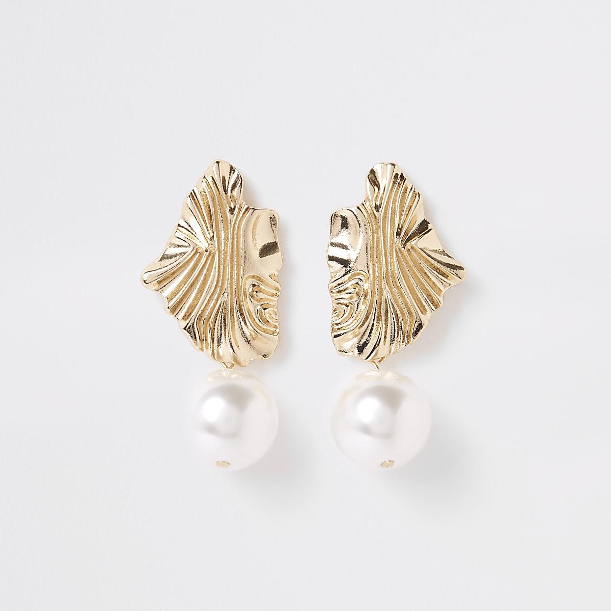 Gold pearl drop earrings