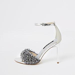 Zilverkleurige sandalen met kralenborduursel en smalle hak
