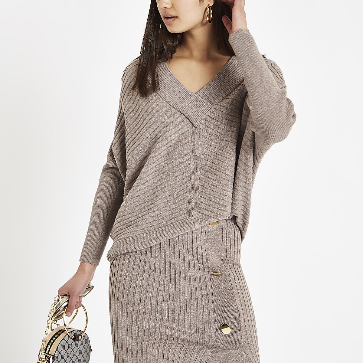 Beige V neck long sleeve sweater