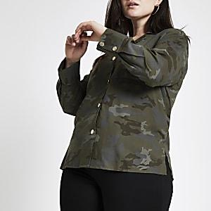 RI Plus - Kaki shacket met camouflageprint en knopen voor