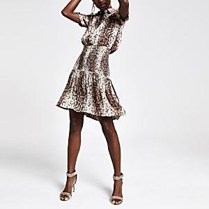 Kleid in Schlangenlederoptik mit geraffter Taille in Beige