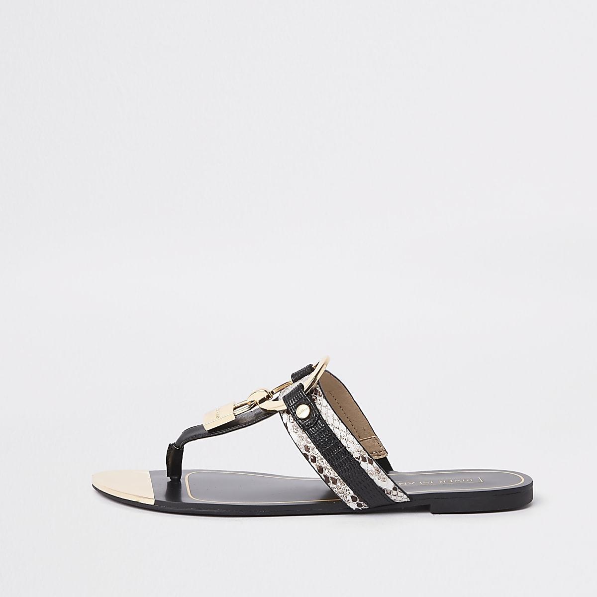 Sandales noires coupe large avec cadenas