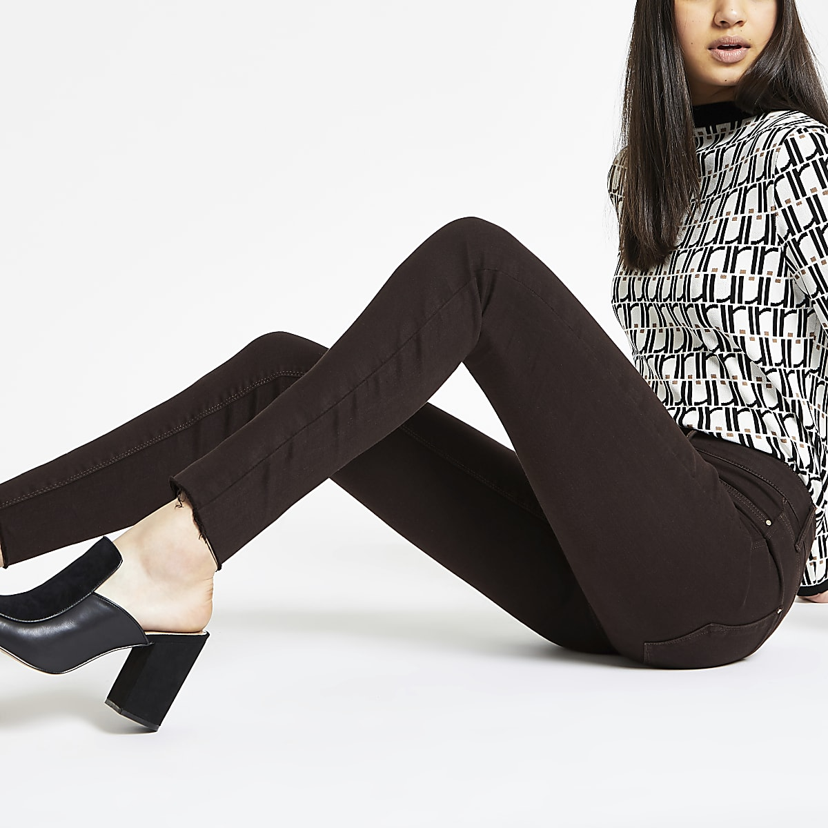 Brown Molly mid rise frayed hem jegging