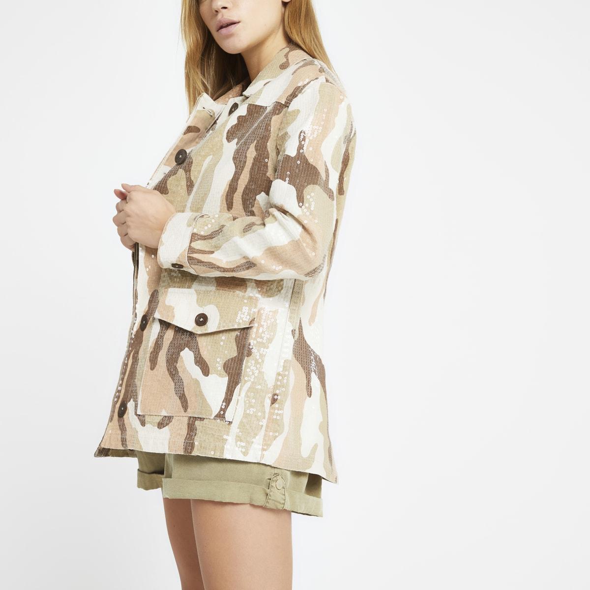 Crème legerjack met camouflageprint en pailletten