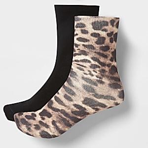2 paar bruine sokken met luipaardprint